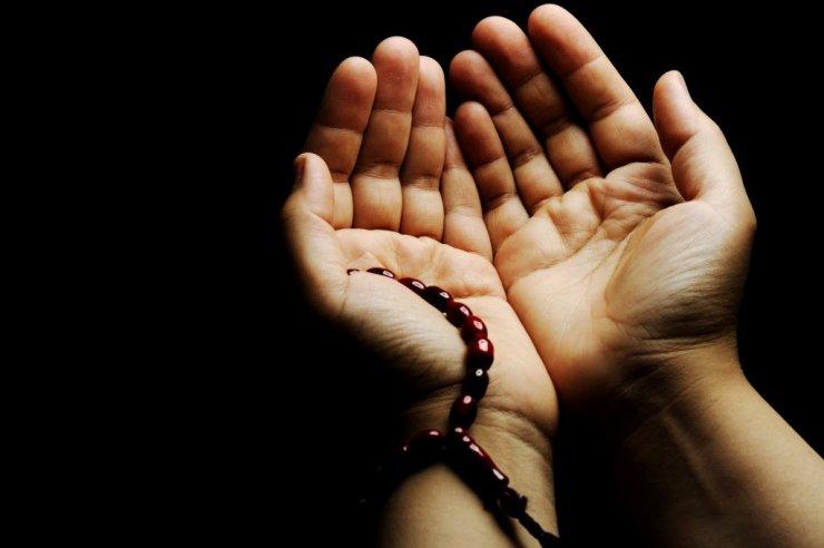 Bir tərəfdən gərək Allahdan ruzi istəyək, o biri tərədən isə məbada həyatımız mal toplamaqla keçsin