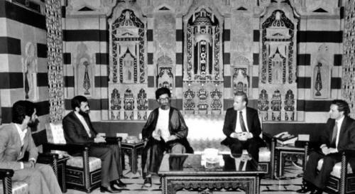 Ali dini rəhbər Ayətullah Xameneinin Xanım Zeynəbin (s.ə) hərəmini ziyarət etməsi