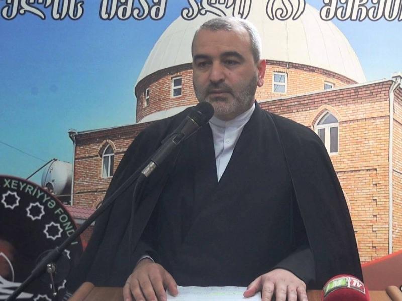 """İmamcümə Hacı Rasim: """"Bismillah"""" deyəndə mənası budur ki, """"Mən üzərimdən Allah nişanəsi asmışam"""""""