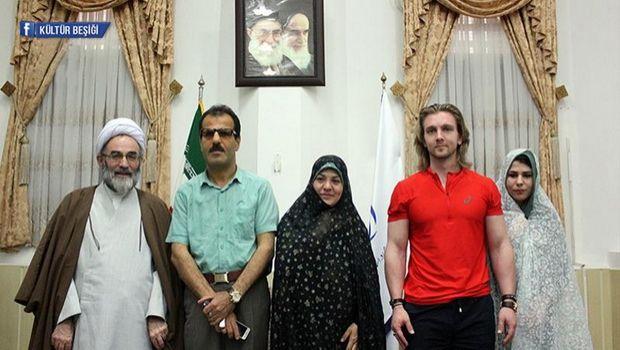 İranın Rəşt şəhərində İslamı qəbul edən rusiyalı gənc