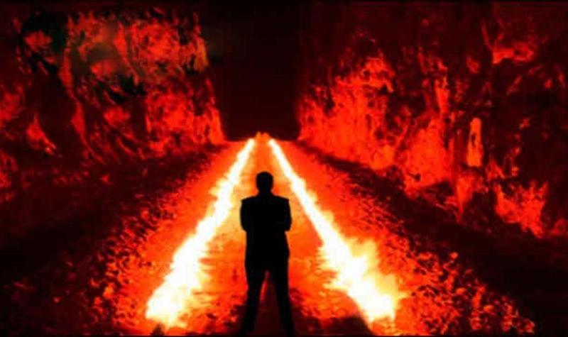 Həsəd aparan insan şeytandan (lən) da pisdir