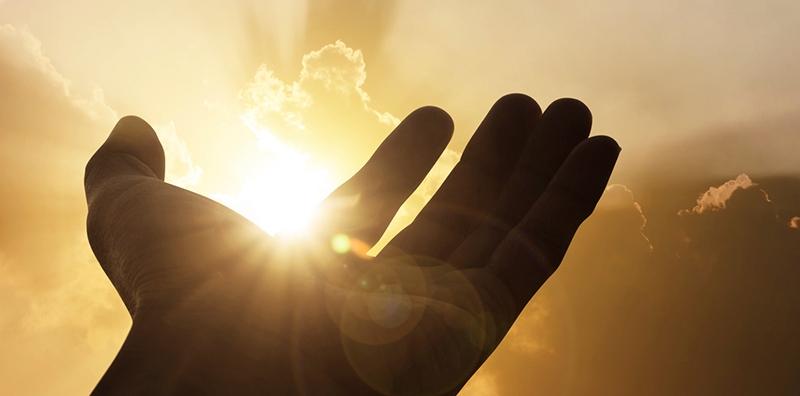 Allahdan uzaq düşməyin qorxusundan ağlamaq ariflərin ibadətidir