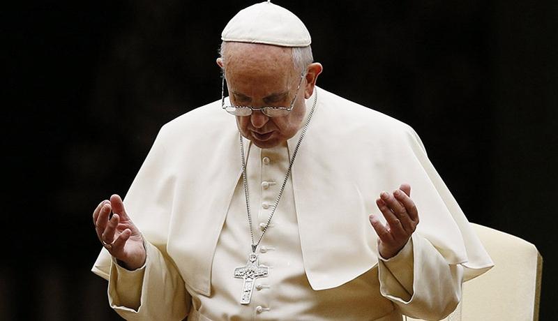 Roma Papası: Müsəlman ölkəsi üçün dua edin