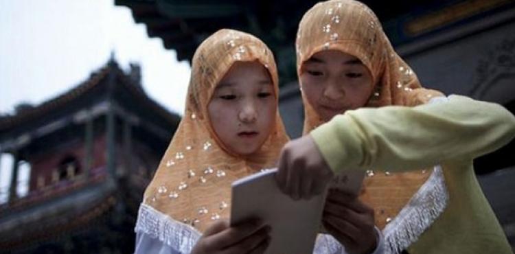 Müsəlman qızları kafirlərlə evlənməyə məcbur edirlər