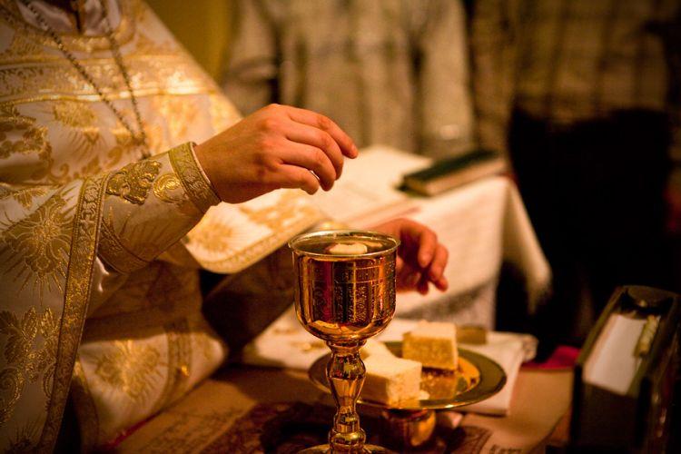Xristian dinində şərabın hökmü necədir?