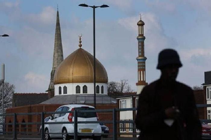 Britaniyada dörd məscidə vandal hücumu oldu