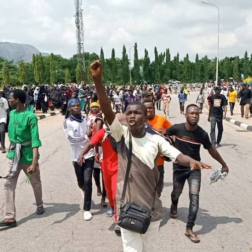 Nigeriya polisi Şeyx Zəkzəki tərəfdarlarından 2 nəfəri qətlə yetirib