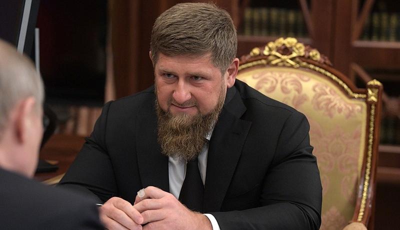 Kadırovdan Putini təhqir edənə: Əclaf nakişi! Get gizlən, yoxsa...