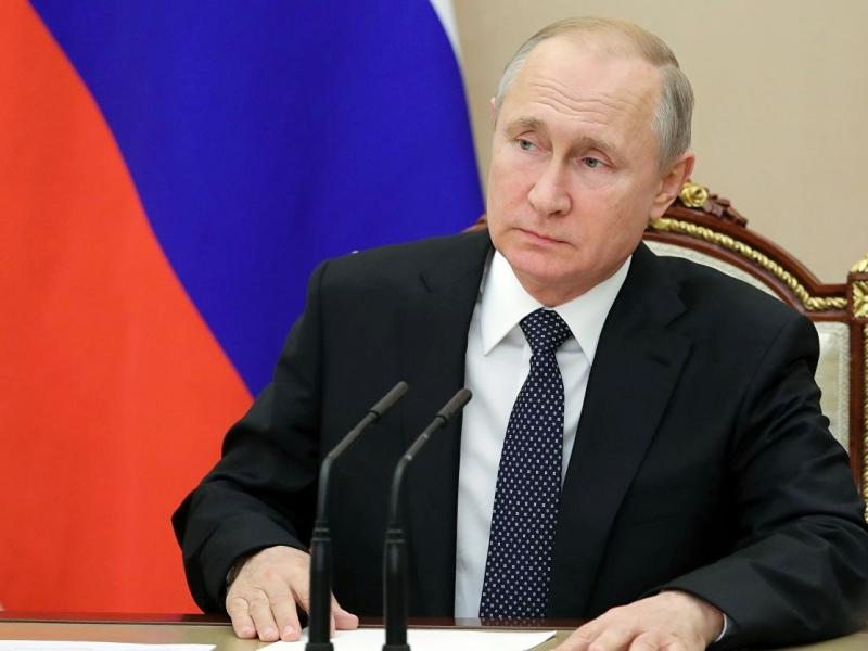 """Putin: """"Gürcüstan xalqına hörmət əlaməti olaraq sanksiyalar lazım deyil"""""""