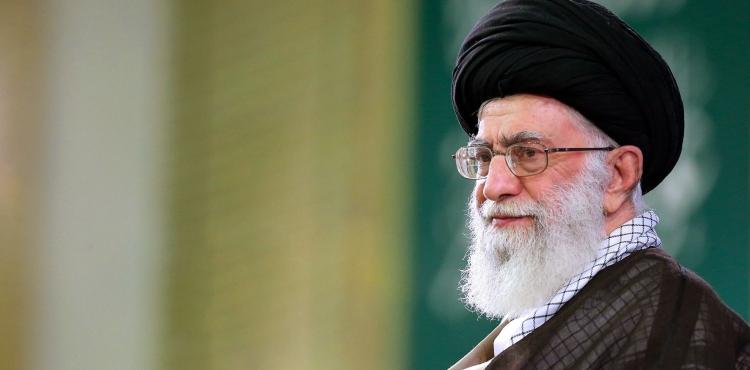 Ayətullah Xamenei: İmam Hüseyn (ə) eşqi İran və İraq xalqını bir-birinə möhkəm bağlayır
