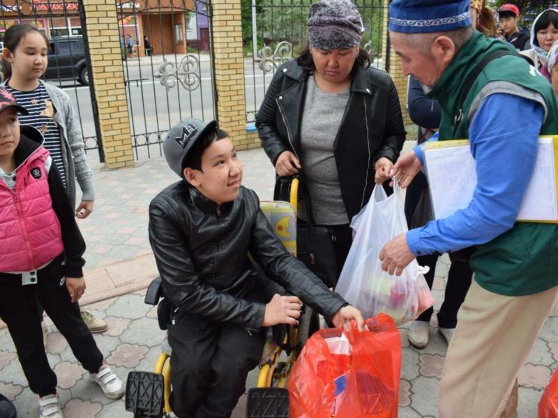 Qazaxıstan müsəlmanları 250 mindən çox ailəyə kömək edib