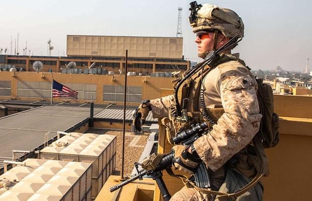 ABŞ diplomatlarının yarısını İraqdan çıxarır