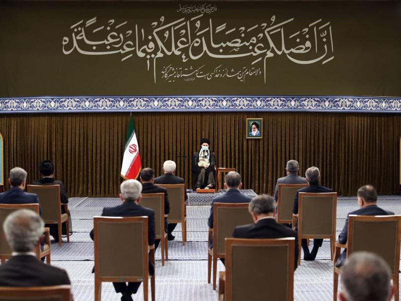 Ayətullah Xamenei prezident Ruhani və Nazirlər Kabinetinin üzvlərini qəbul edib